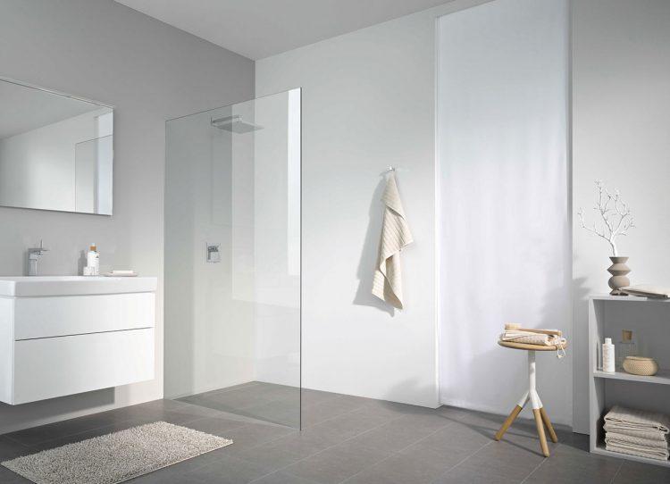 gutesbad zeigt erfrischend offene duschabtrennungen und mehr. Black Bedroom Furniture Sets. Home Design Ideas