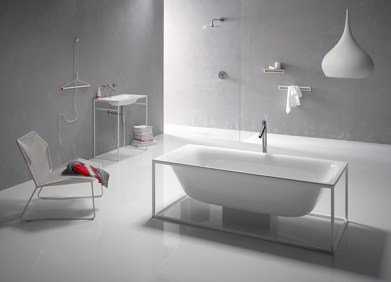 ein rahmen f r die wanne kehrt das innere nach au en sch n. Black Bedroom Furniture Sets. Home Design Ideas