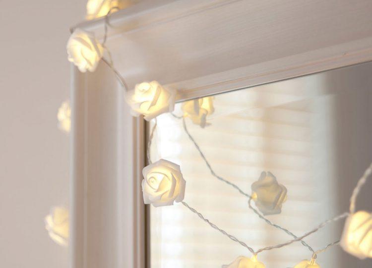 Lichterketten wirken auch im badezimmer gegen novembergrau - Lichterkette anbringen weihnachtsbaum ...