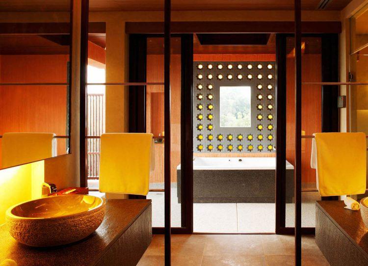 gutesbad zeigt hotelb der aus aller welt von phuket bis berlin. Black Bedroom Furniture Sets. Home Design Ideas