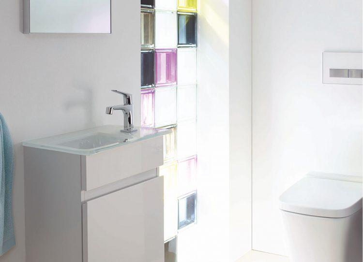 gastlichkeit zeigt sich auch bei der einrichtung des g stebades. Black Bedroom Furniture Sets. Home Design Ideas