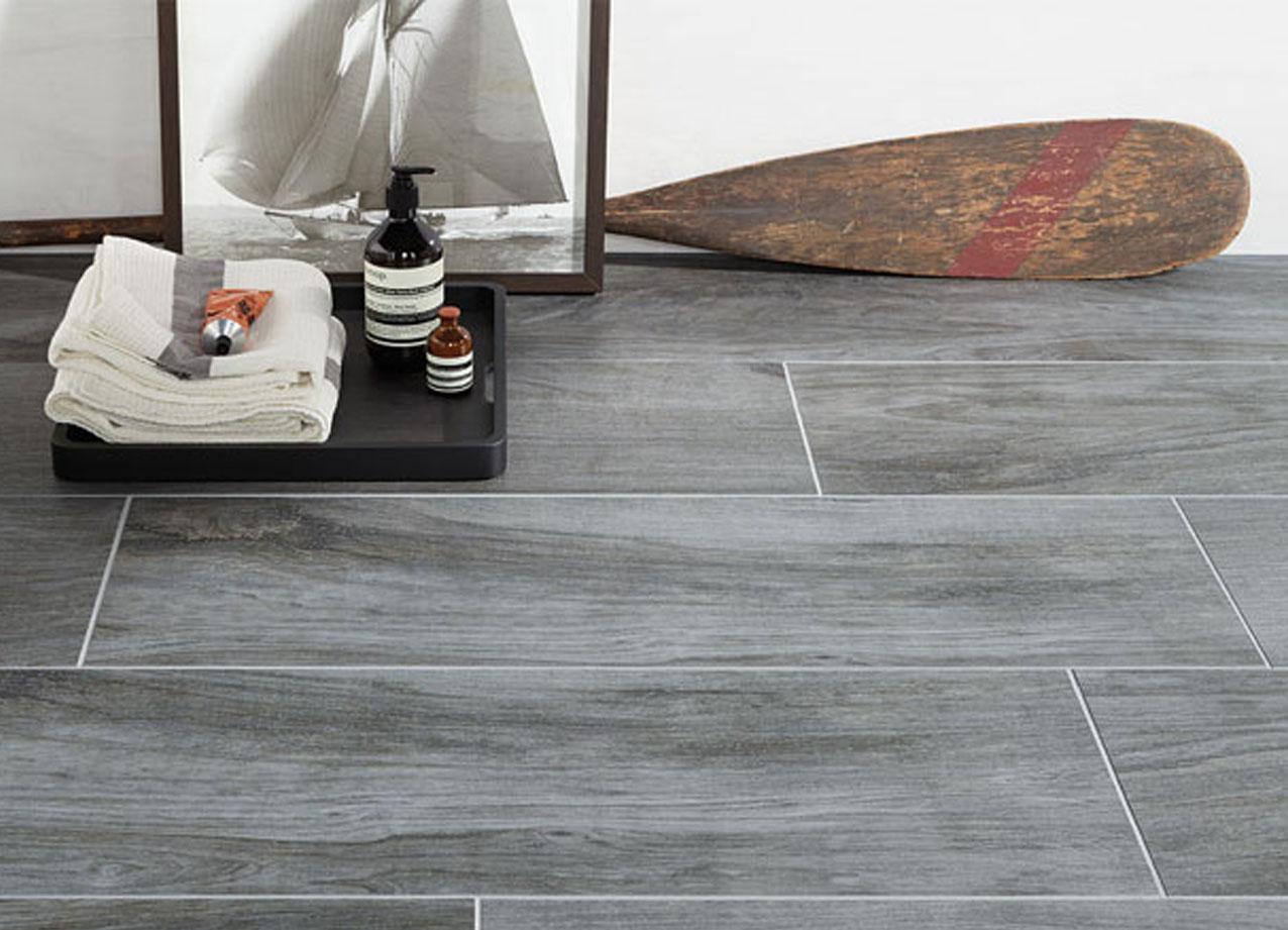 dauerhaft pflegeleicht und t uschend realistisch fliesen in holzoptik. Black Bedroom Furniture Sets. Home Design Ideas