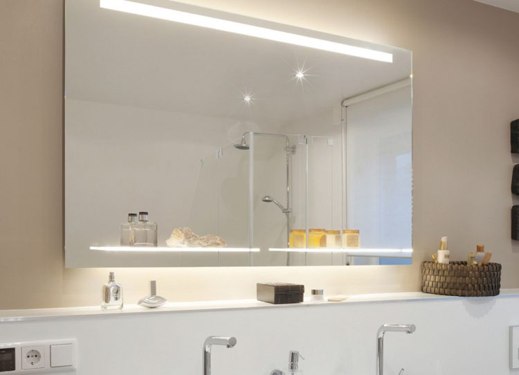die beleuchtung f rs bad spielt eine wichtige rolle tipps f r die planung. Black Bedroom Furniture Sets. Home Design Ideas
