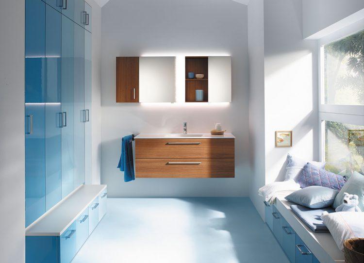 Stilvorlage Maritim: Mit diesen Ideen zieht Strandfeeling in Ihr Bad!